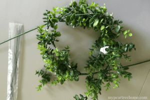 boxwood wreath, boxwood wreath in frame, wreath DIY, boxwood wreath decor