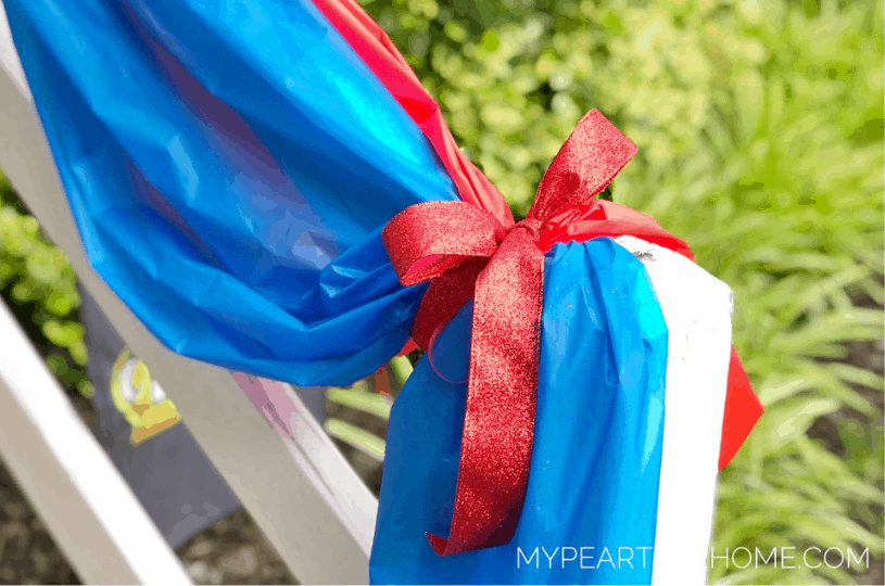 Tutorial to show how to make your own bunting for your porch for july 4th decor.