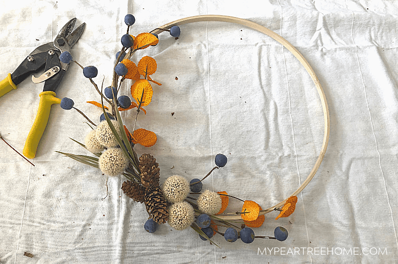 how to make a wreath using an embroidery hoop