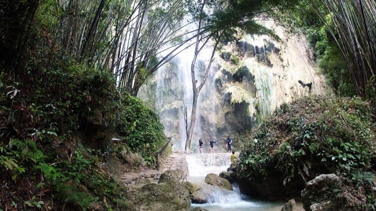 Filipinas before falls