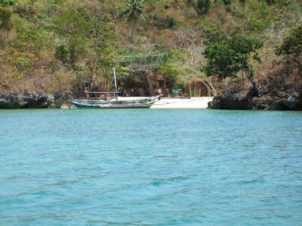 We head to a private beach for a picnic lunch, Guimaras Island