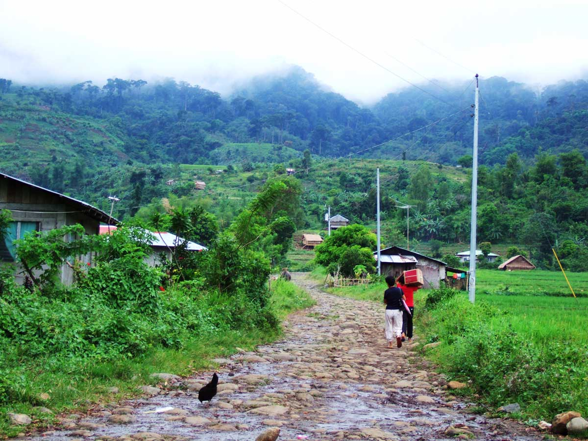 Image of an unpaved road in rural Philippines, 2