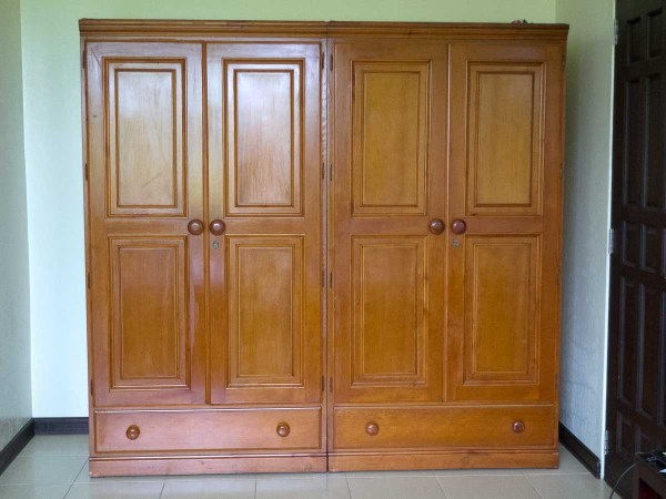 Wardrobes instead of closets