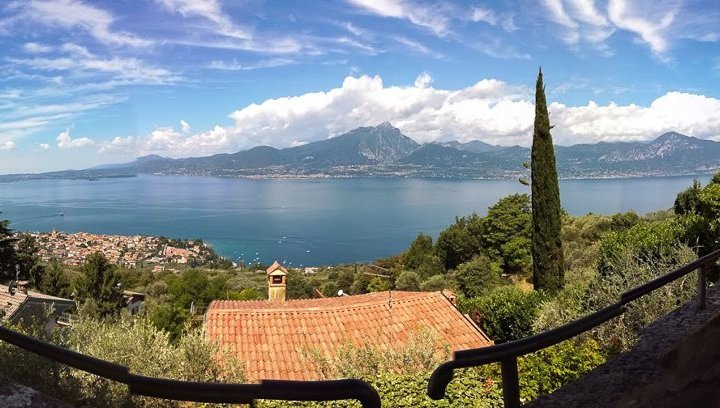 Panoramablick auf den Gardasee 2-1