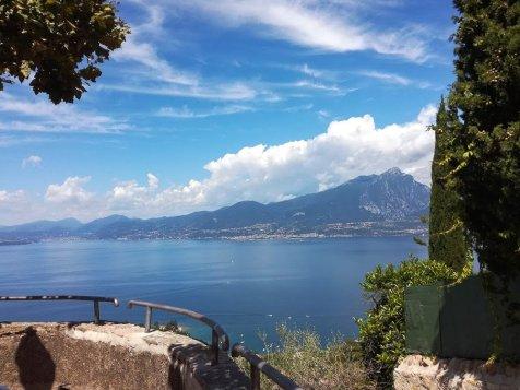 Panoramablick auf den Gardasee 3-1