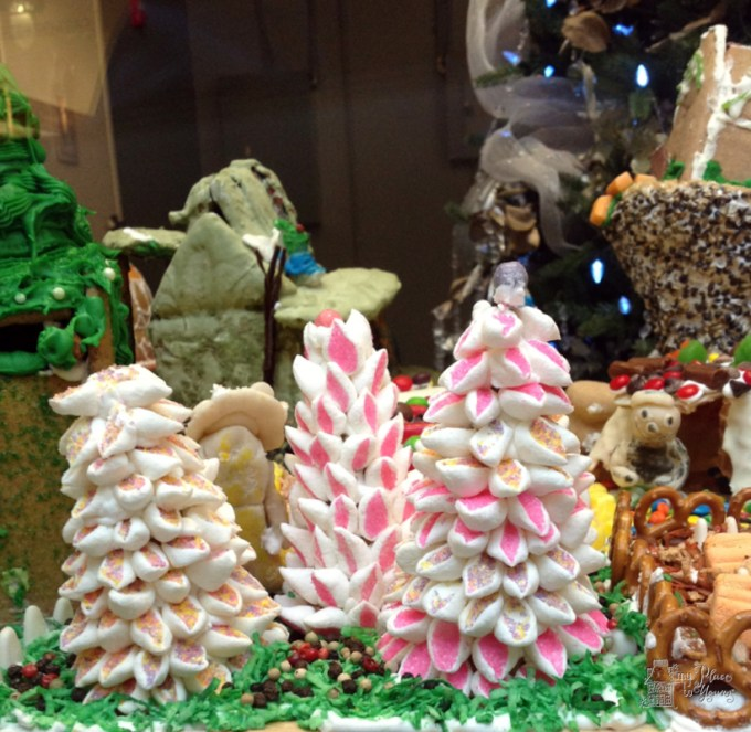 Grove Arcade Gingerbread14.Grove Arcade Gingerbreade14.IMG_3774