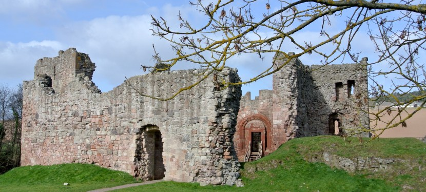Hailes Castle-A Beautiful Ruin on the River Tyne