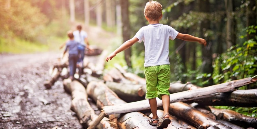 Why Children Should Play Outside. What the Research Says | Plinkit