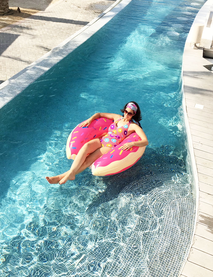 pool-doughnut-eden