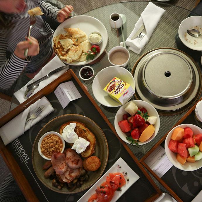 Room service breakfast parkroyal hotel melbourne