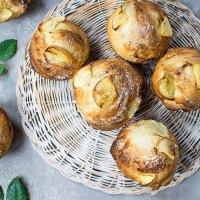 Easy Bake Vanilla Pear Muffins