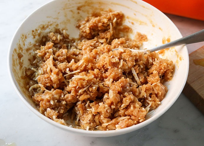 Coconut crumble topping recipe - mypoppet.com.au