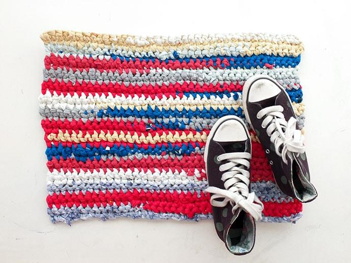 Upcycle Style: Crochet T Shirt Rag Rug