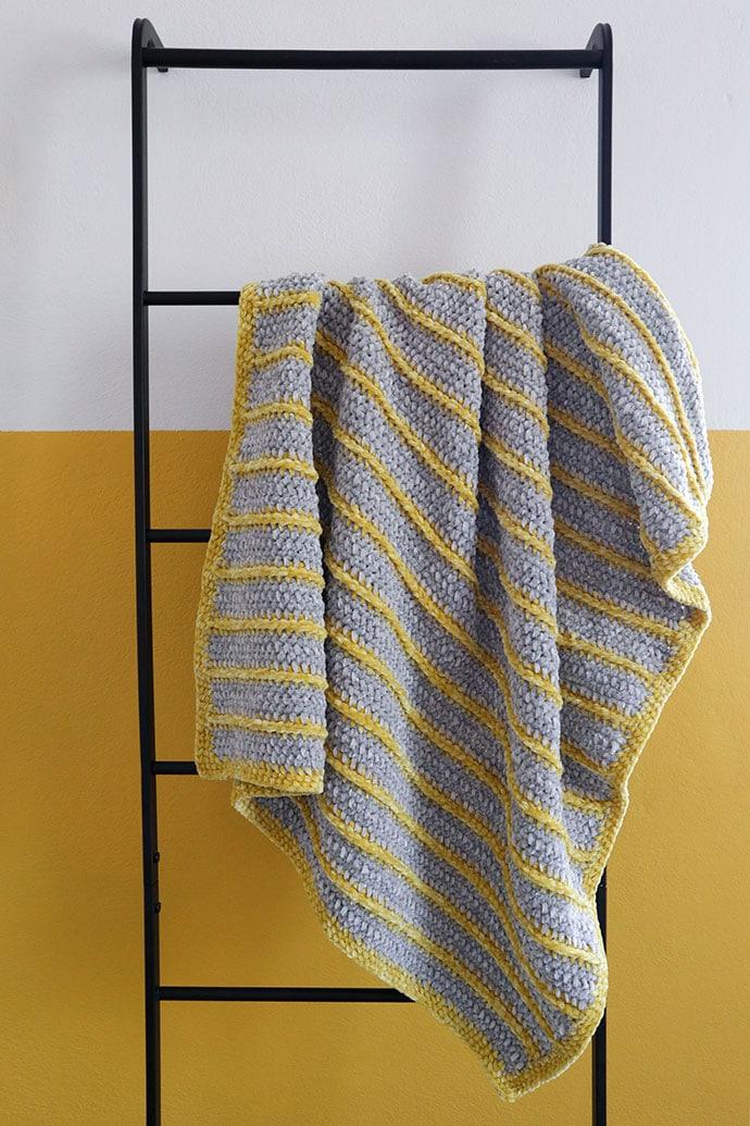 Bernat Baby velvet yarn review - Crochet pram blanket pattern