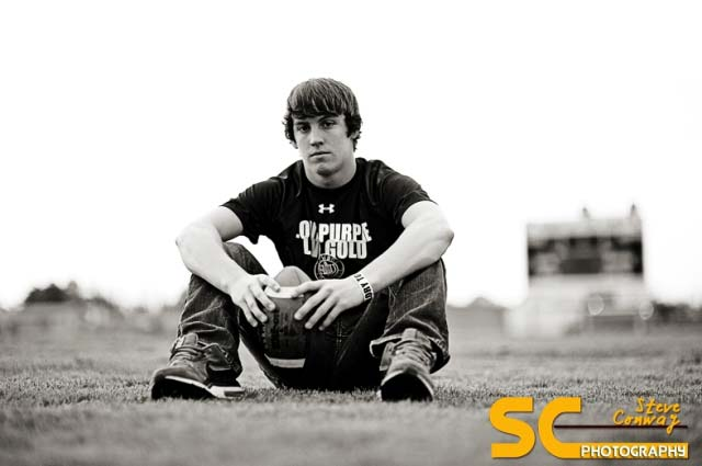 Senior-picture-ideas-guys-sports-2