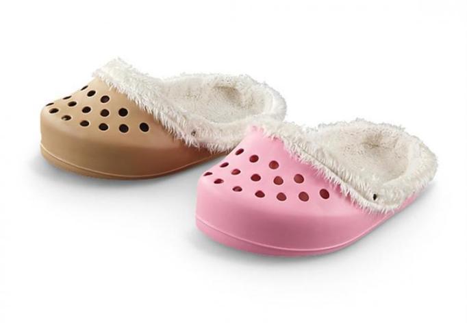 shoe-shaped-dog-bed-2440
