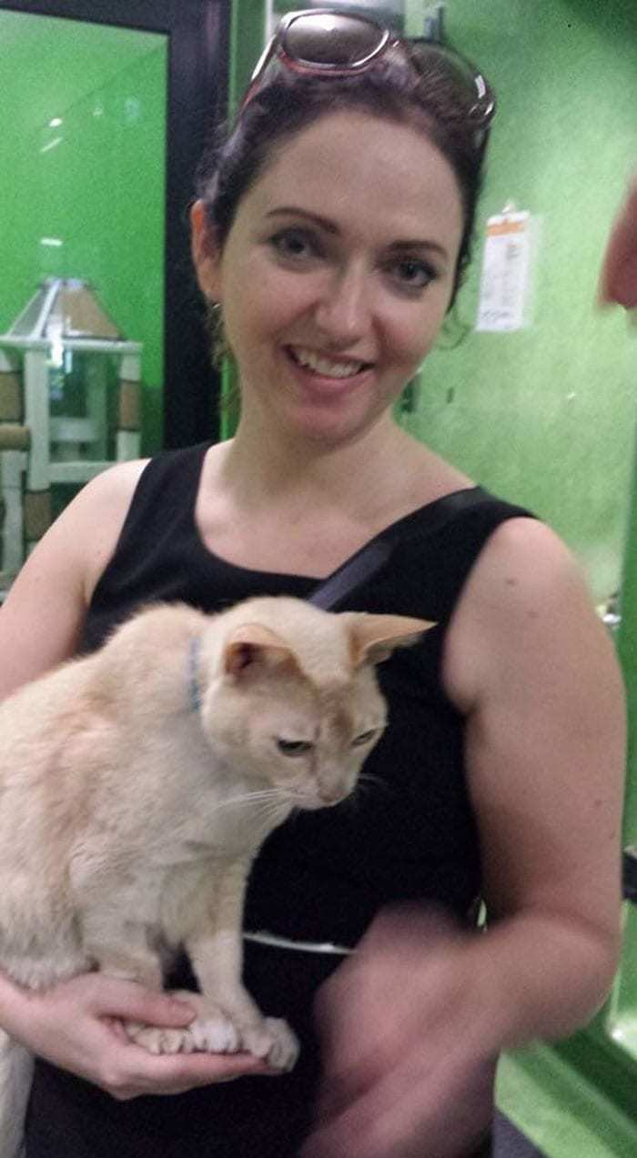 woman-with-cat