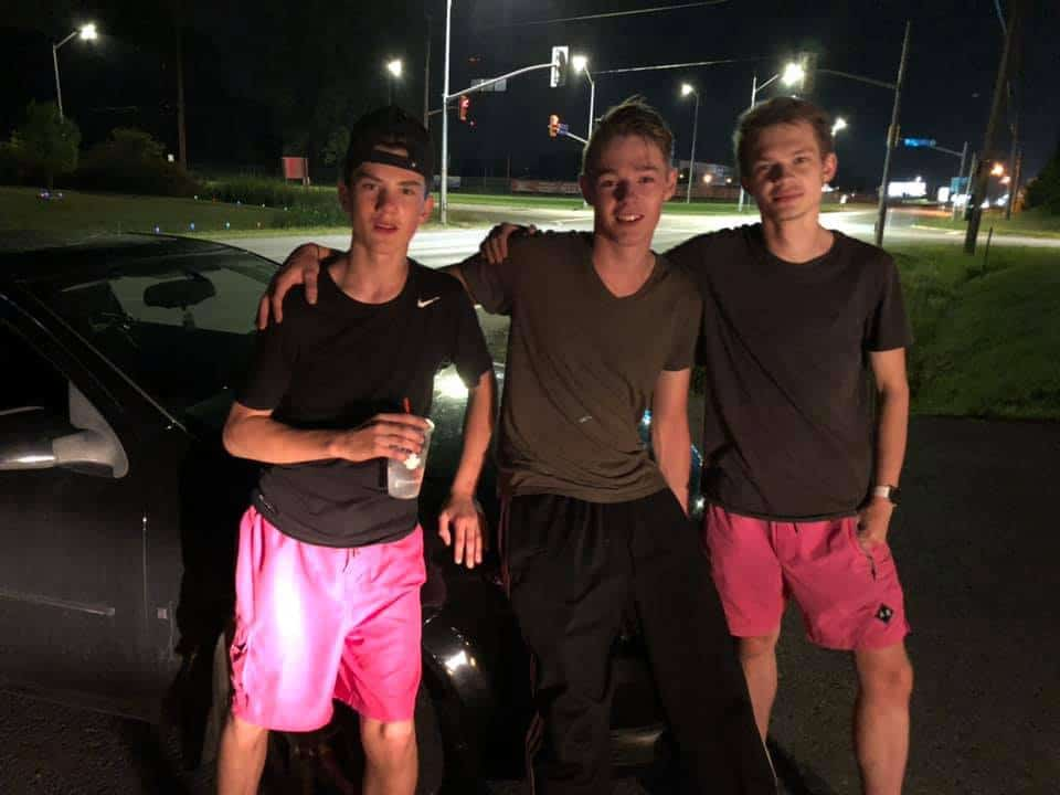 These teens pushed woman's vehicle when her car broke down.