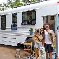 Couple transforms an old school bus into an elegant tiny home that uses solar energy