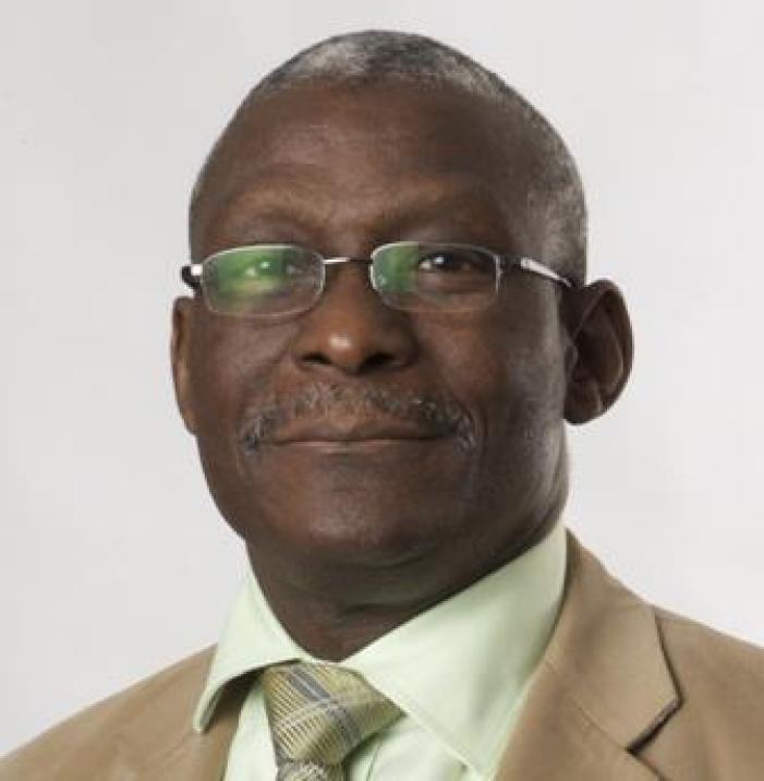 Retired doctor Alfa Saadu dies after he continued to work to help patients.