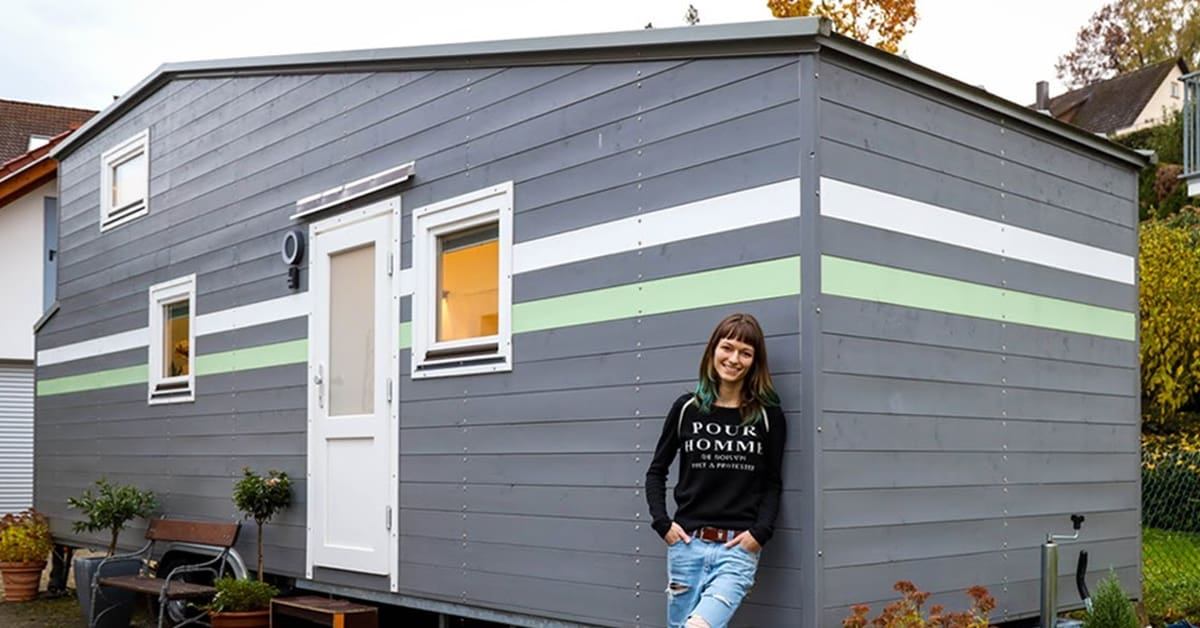 Professional gamer builds functional tiny house with amazing computer set-up - my positive outlooks