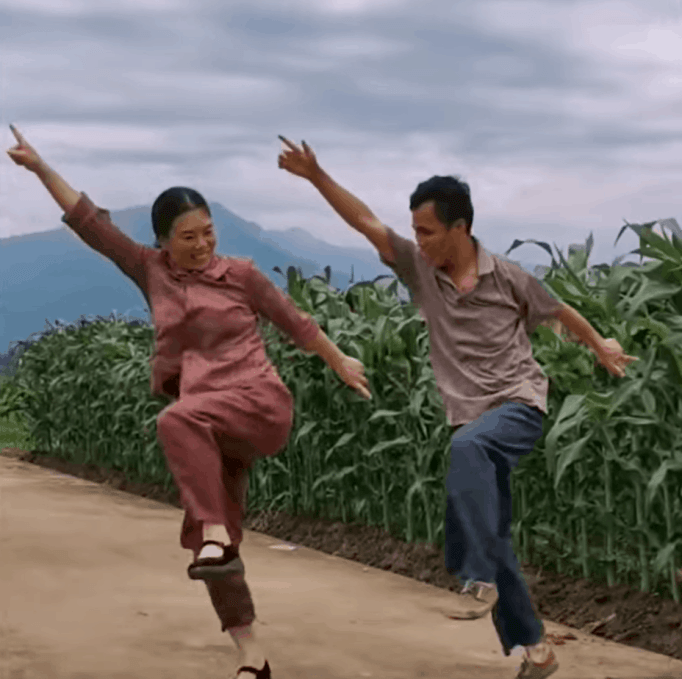 To help husband fight depression after car accident, wife teaches him the shuffle-dance.