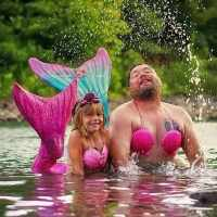 Dad joins daughter's mermaid photoshoot for her birthday, the photos are hilarious!