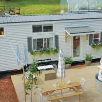Family's fantastic farmhouse-style tiny home looks like straight from a Pinterest feed
