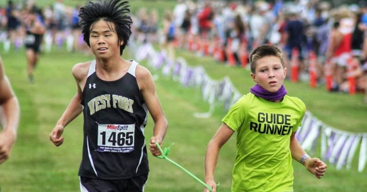 4th-grade student helps blind teen compete in long-distance cross country races - my positive outlooks