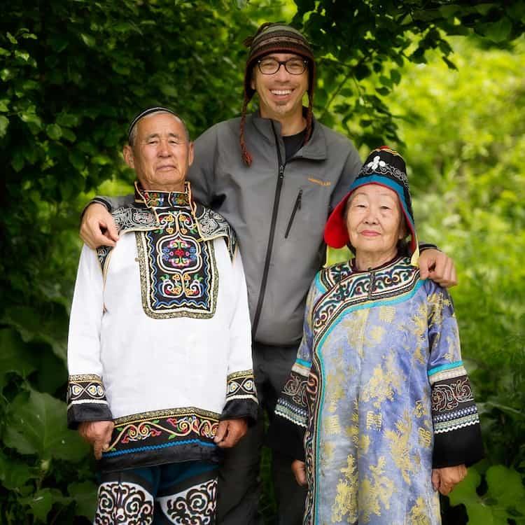 Александр Химушин в Дальневосточной Сибири с нанайцами