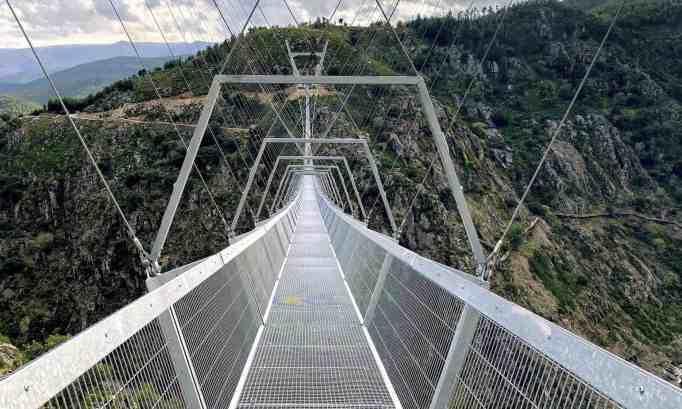 longest suspension bridge in the world