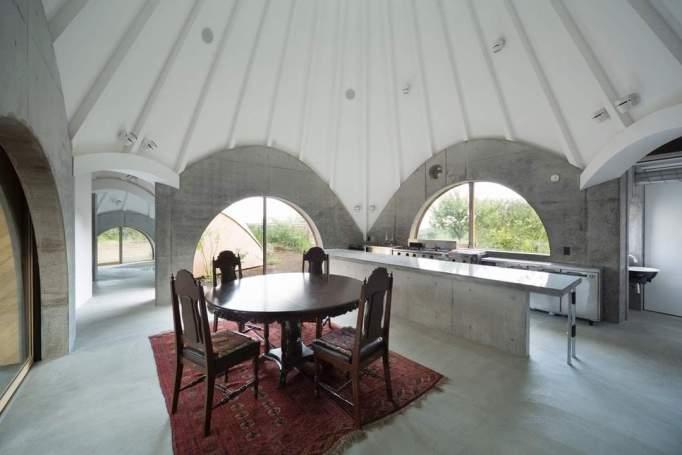 dining room at Jikka