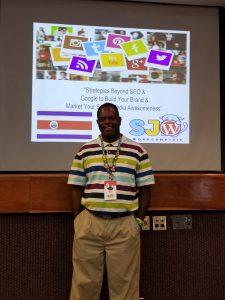 William Jackson speaking at WordCamp Costa Rica