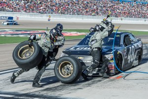 March 6 2016: Jimmie Johnson's crew performs a pitstop on the number 48 Chevrolet during the Kobalt 400 NASCAR Sprint Cup Series race at Las Vegas Motor Speedway in Las Vegas, NV. (Photo by Stephen Furst/Myracenews.com)