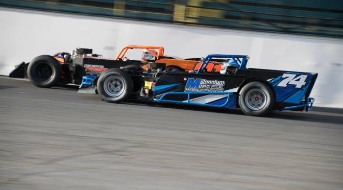 SBS Twin 20's, Supermodified 50-Lapper This Weekend at Oswego Speedway
