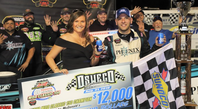 Justin Bonsignore Holds Off Matt Hirschman for Toyota Mod Classic Victory