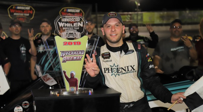 JUSTIN BONSIGNORE LOOKS TO EXTEND THREE RACE RIVERHEAD RACEWAY WMT WIN STREAK INTACT IN MILLER LITE 200 SATURDAY SEPTEMBER 7TH.