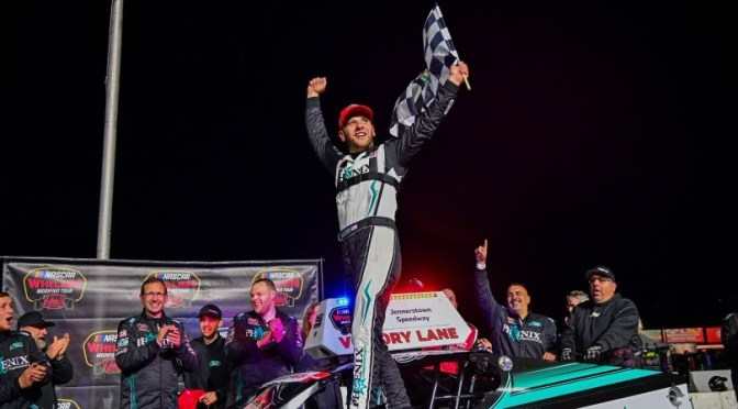 JUSTIN BONSIGNORE HOLDS OFF DOUG COBY FOR JENNERSTOWN SALUTES 150 WIN AT JENNERSTOWN SPEEDWAY