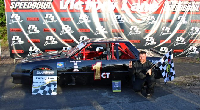 Jared Roy takes Mini Stock Gold at the New london Waterford Speedbowl