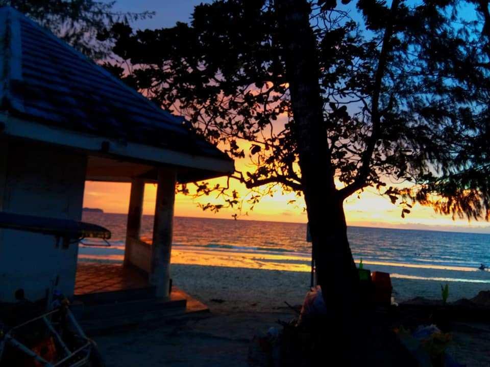 White Beach Sunset – Photo Credit Trudy Allen