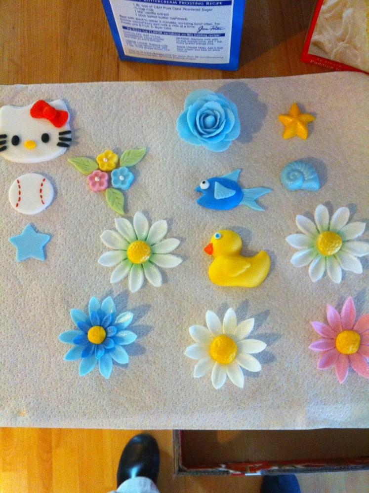 Fondant and Gum Paste Flowers (4/6)