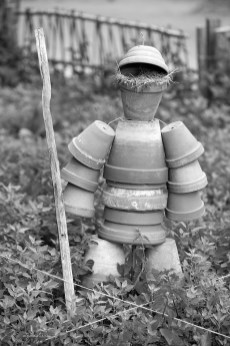 castle man made with pots in Guedelon