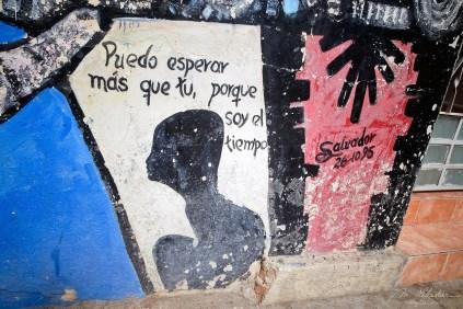 a mural painting from the cuban painter Salvador Gonzalez in Callejon de Hamel in la Havana Cuba puedo esperar mas que tu, porque soy el tiempo (I can wait more than you, because I am the time)