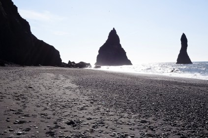 black-sand-beach-vik-06