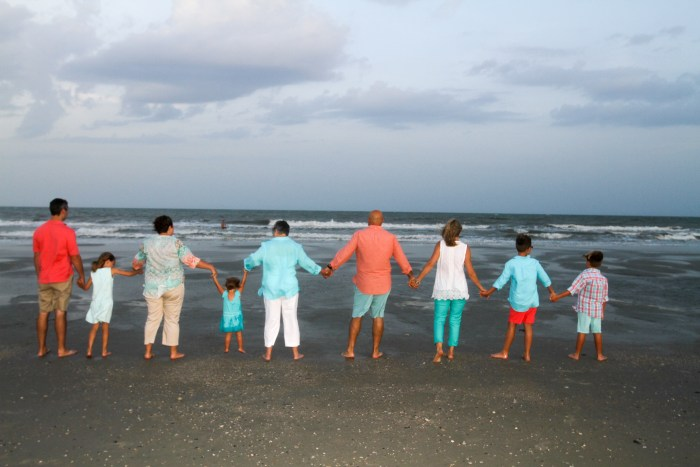 Family reunion posing suggestions in Myrtle Beach
