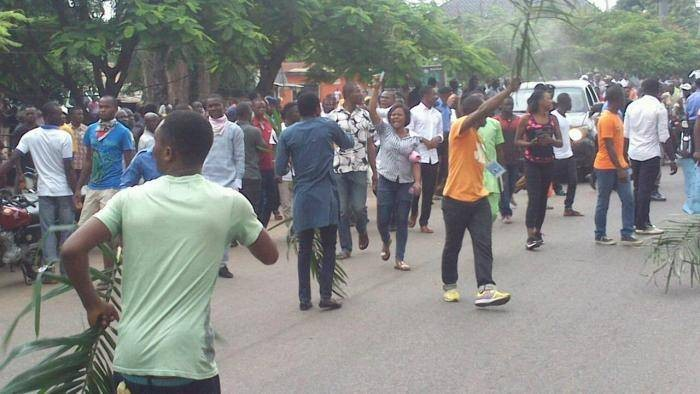 BSU Students Protest School Fees Hike, Barricade School Main Gate