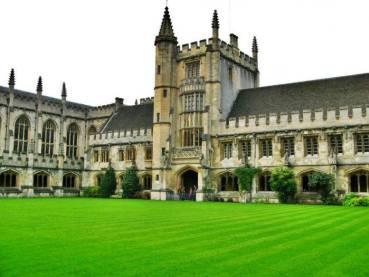 2019 Clarendon Fund Scholarships For International Students At Oxford University, UK