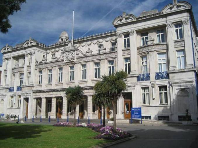 Roy Goode Funding for International Students At Queen Mary University of London - UK, 2020