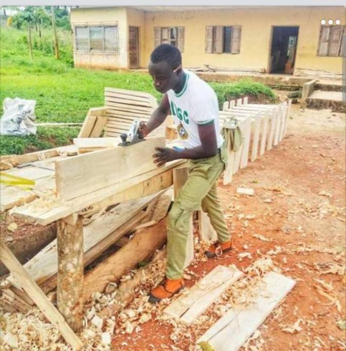 Corps Member Produces Furniture For Over 80 Pupils in Cross River State