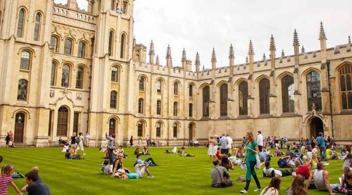 Clarendon Fund Scholarships 2021 At University of Oxford - UK